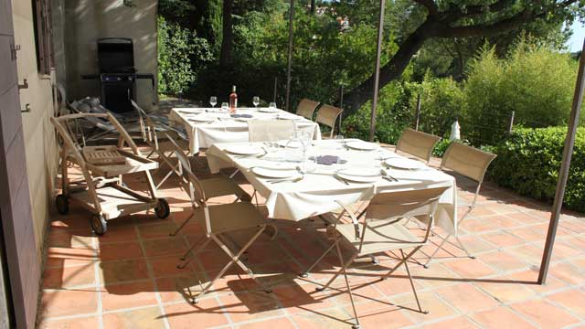 Deux tables pour 12 personnes